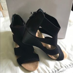 Women's Step 'N Flex Pennii Dress Wedge Sandals